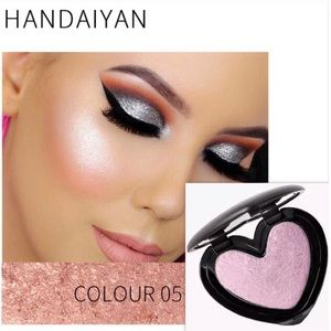 Other - HANDAIYAN Heart Highlighter Face Glow Makeup